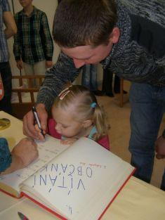 podpis tatínka starší sestřičky